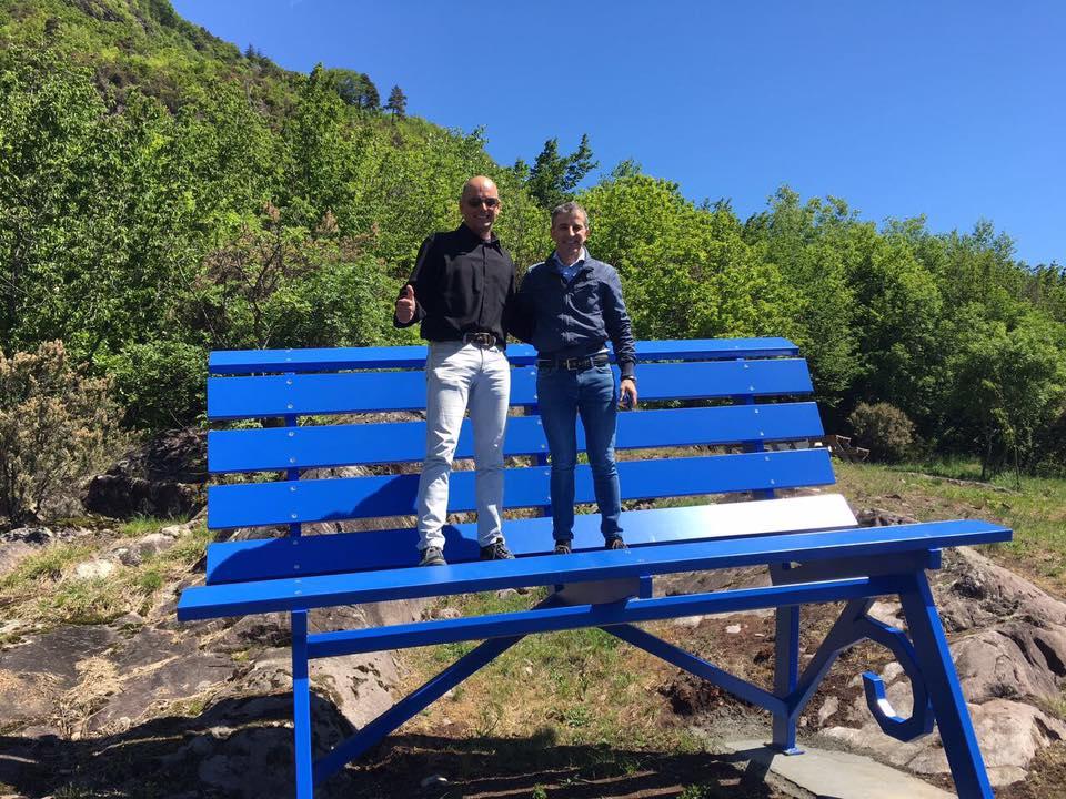 panchina blu rogno